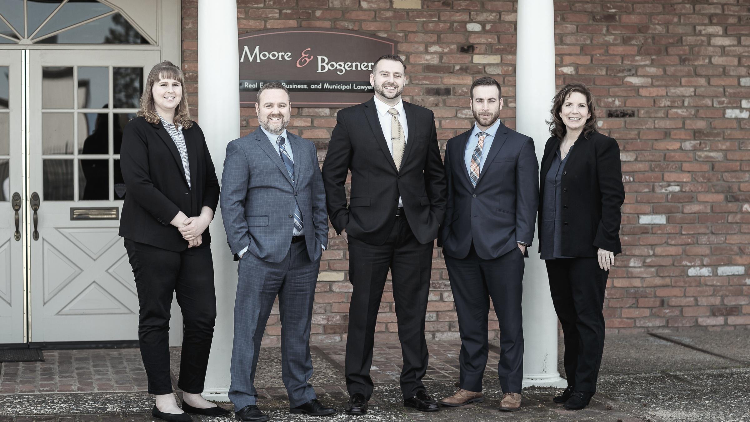 Moore-Bogener-Team.jpg