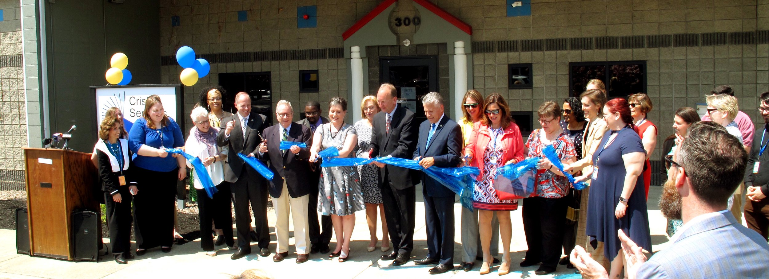 Ribbon Cutting at New Bldg.jpg