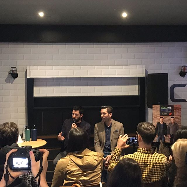 "A big 6'4"" & 6'5"" thank you to @propertybrothers and @chase for joining us to spread some #realestate #knowledge regarding #homeequity AND do a little #demolition These guys are the real deal. #propertybrothers #chasebank #privateevents #onhgtv #chasemortgage"