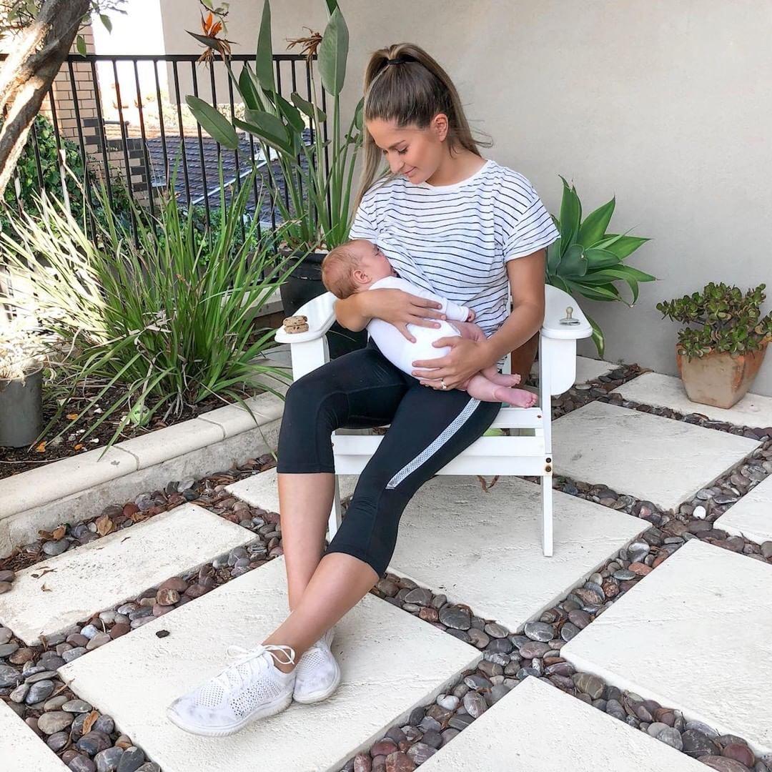 Laura Thoms   Breastfeeding   mum Network.JPG