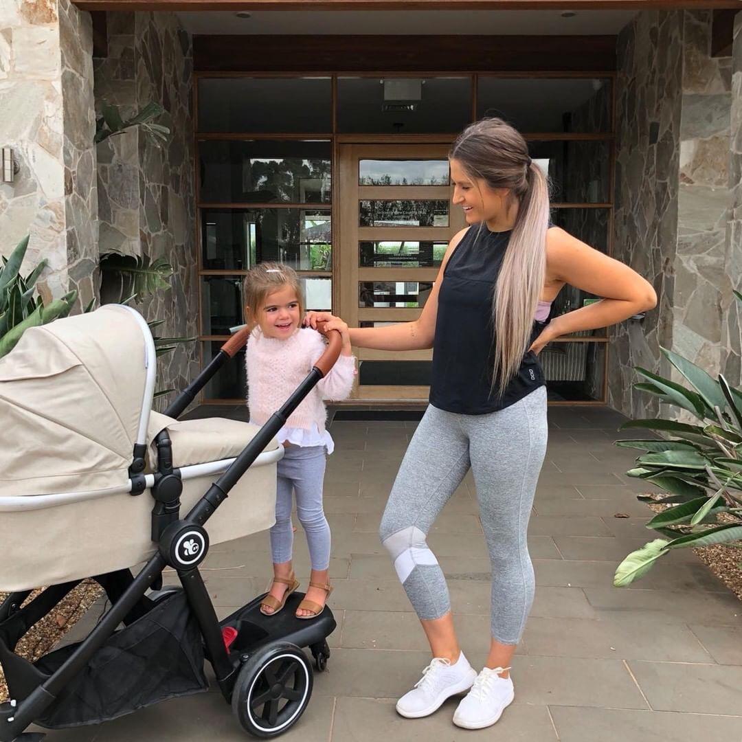 Laura Thoms with kids   Mum Network.JPG