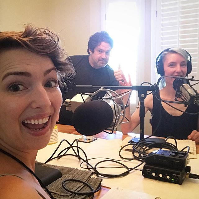 It's the whole gang in one shot for @foodieparlour episode 14: Heal Better, Feel Better! Dana had just kicked a nasty summer cold, so D&B do a deep dive on what they go for when they're feeding a cold. Because we need more than just soup, people! What do YOU go for to support your overall wellness, in sickness OR in health? Tell us in the comments!