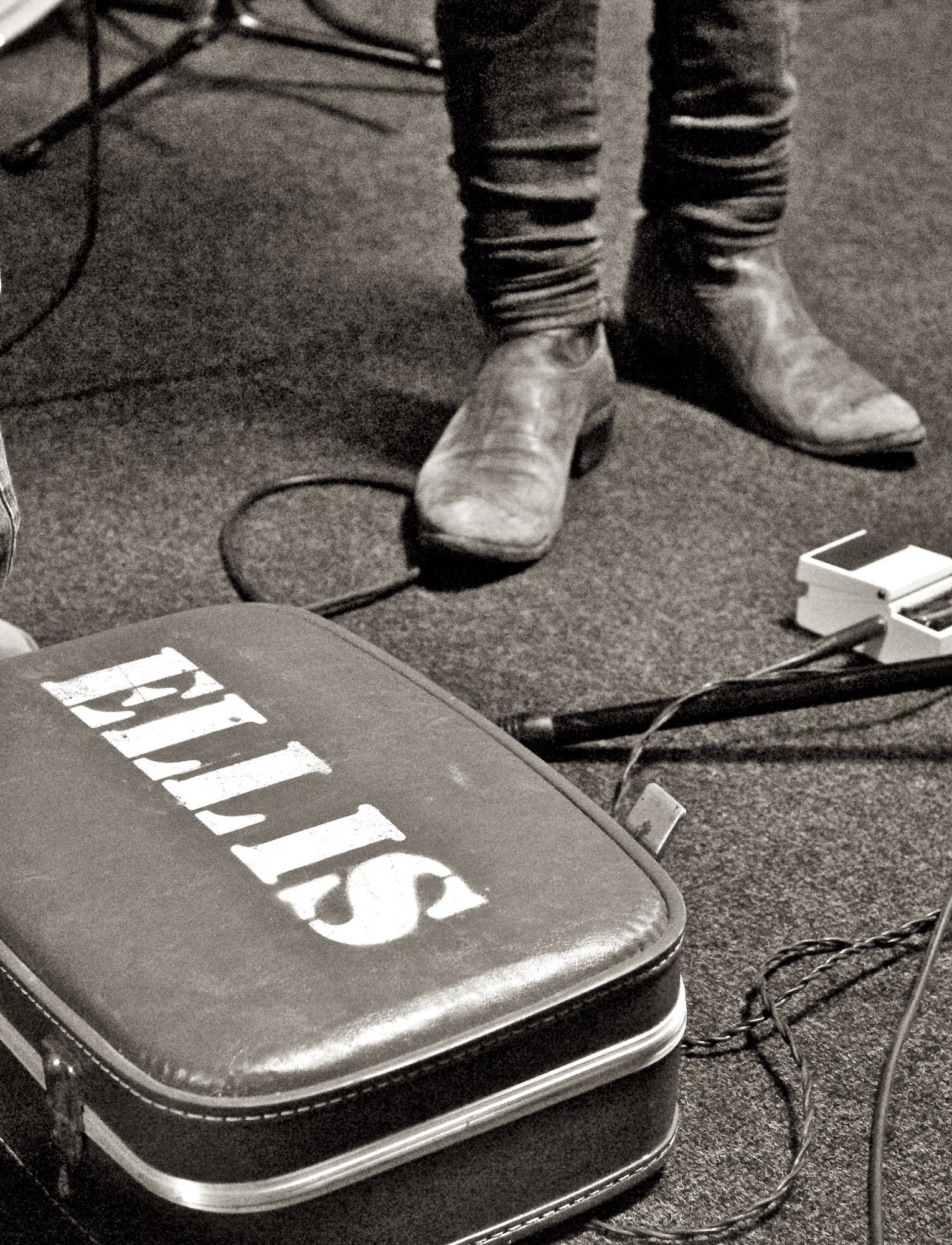 Robert Ellis perfroms at Cactus Music. April 16, 2011