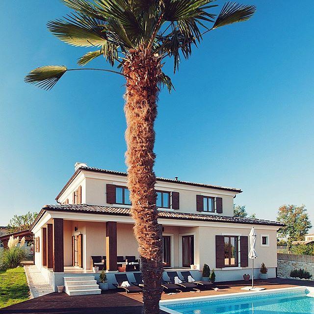 Und wie genießt du die Sonne? #pula #rovinj #croatiafulloflife #luxurylifestyle #luxuryhome #interiordesign #ambiente #relajar #relax #croatiafulloflife #croatia🇭🇷 #livelifetothefullest #argemonia #lifestyle #inspiration #lavidaesbella #villa #holiday #adriatic #adria #liveauthentic #crovillas #croatia_instagram #istrien #adriatic #adriasea #urlaub #urlaub2018 #luxurylifestyle #naturelover #croatiafullofmagic #croatiatravel #croatia_photography #pula #rovinj