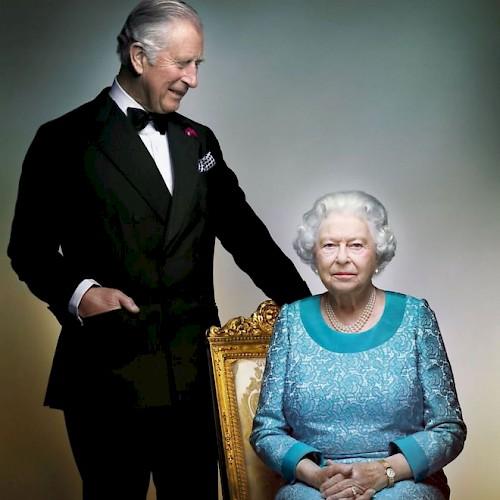 queens-90th-birthday-portrait-released-54095-kb.500x500.jpg