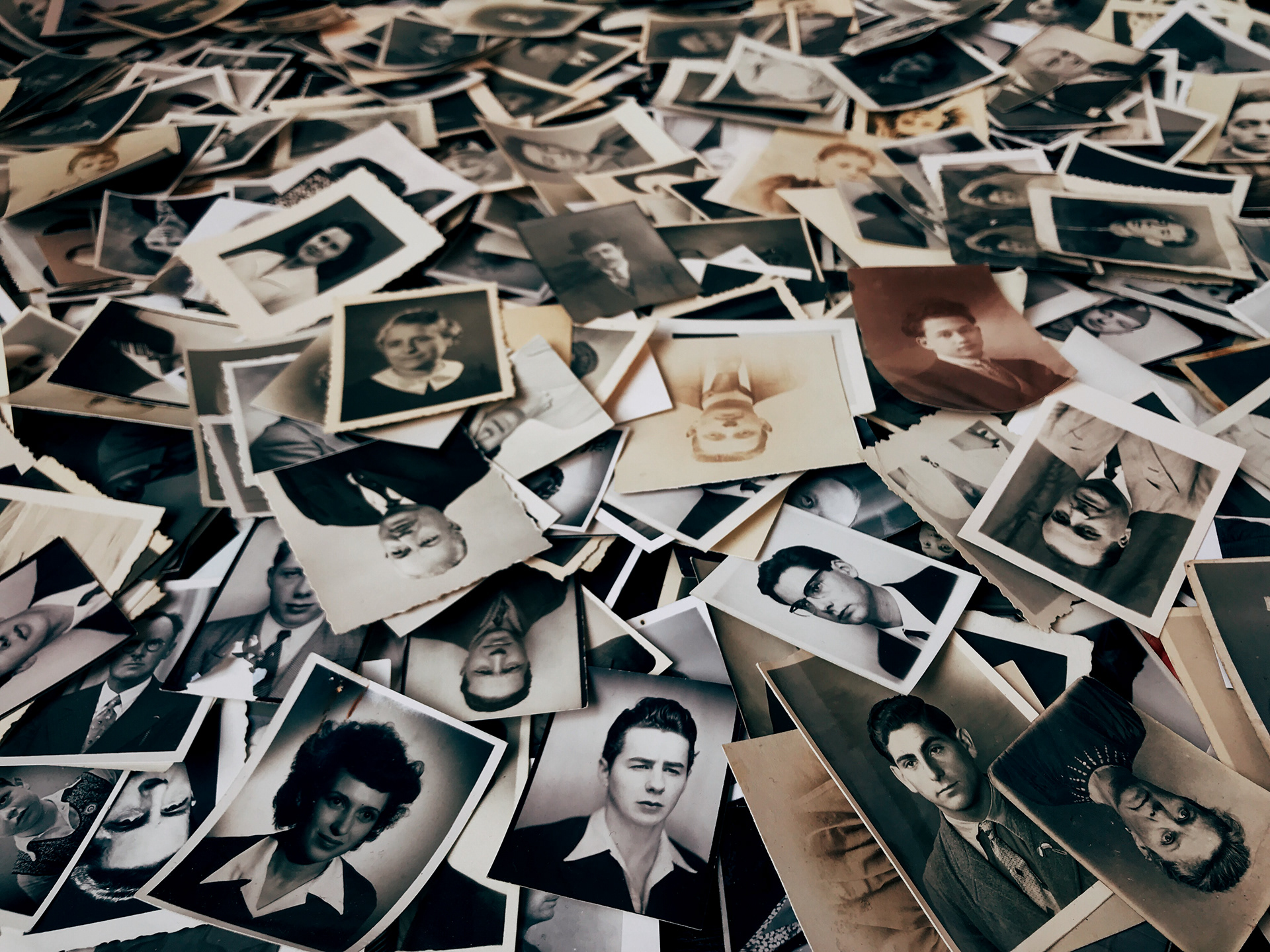 Mementoes at a vide-grenier (attic sale)