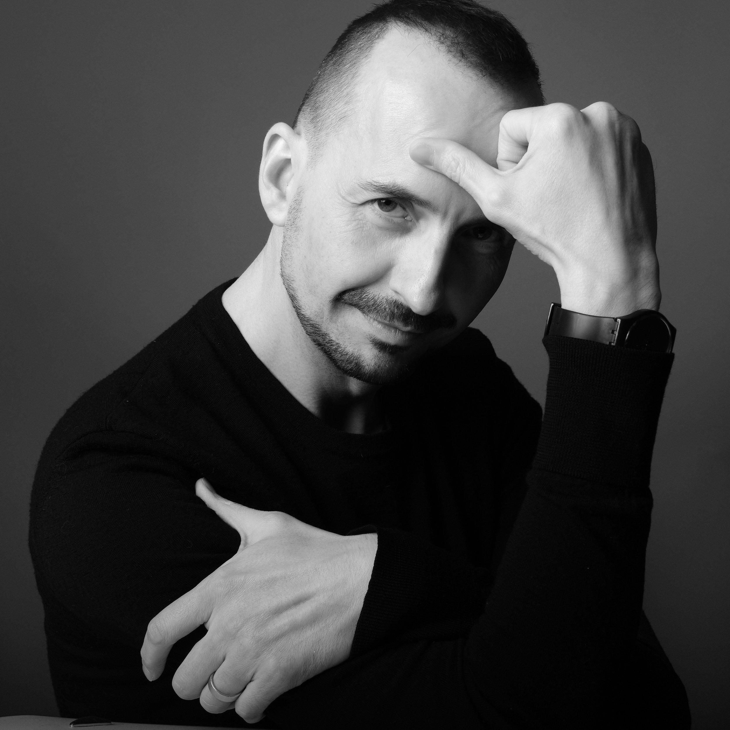 Gareth Jones, designer.