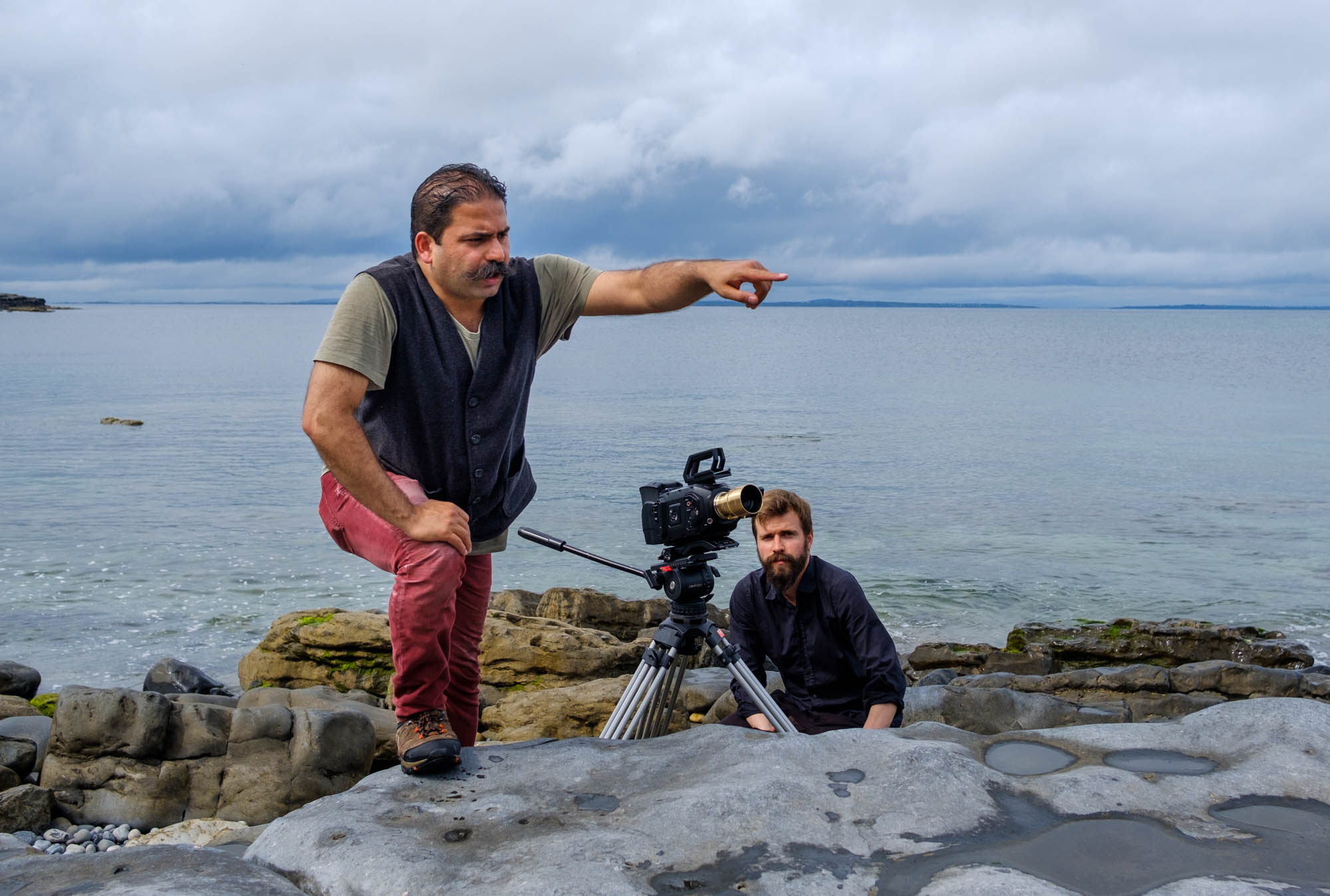 Rouzbeh Rashidi and Jann Clavadetscher filming on Inis Mór, August 2017.