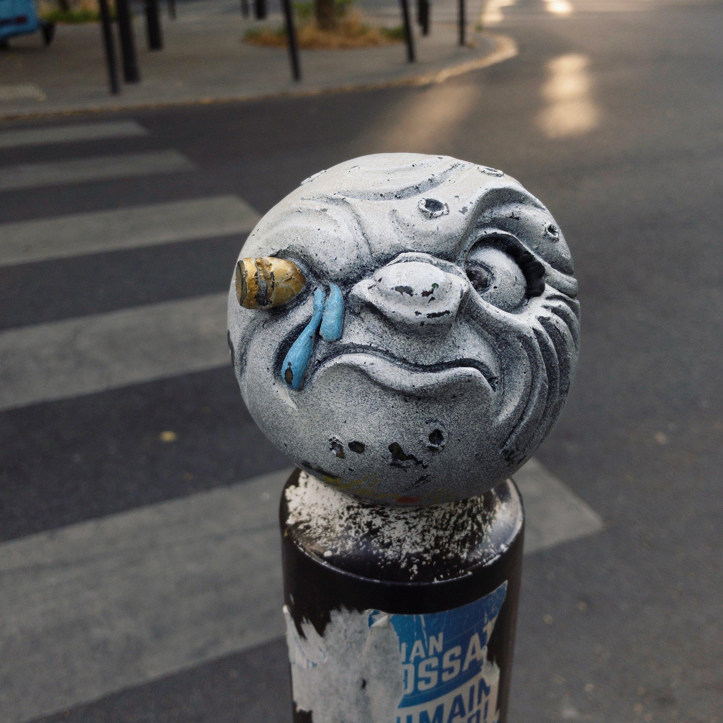 Street-art tribute to Georges Méliès'  Voyage dans la Lune.
