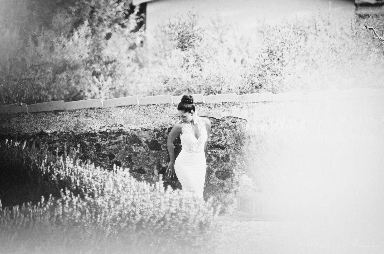 portrait-bride-wedding-in-villa.jpg