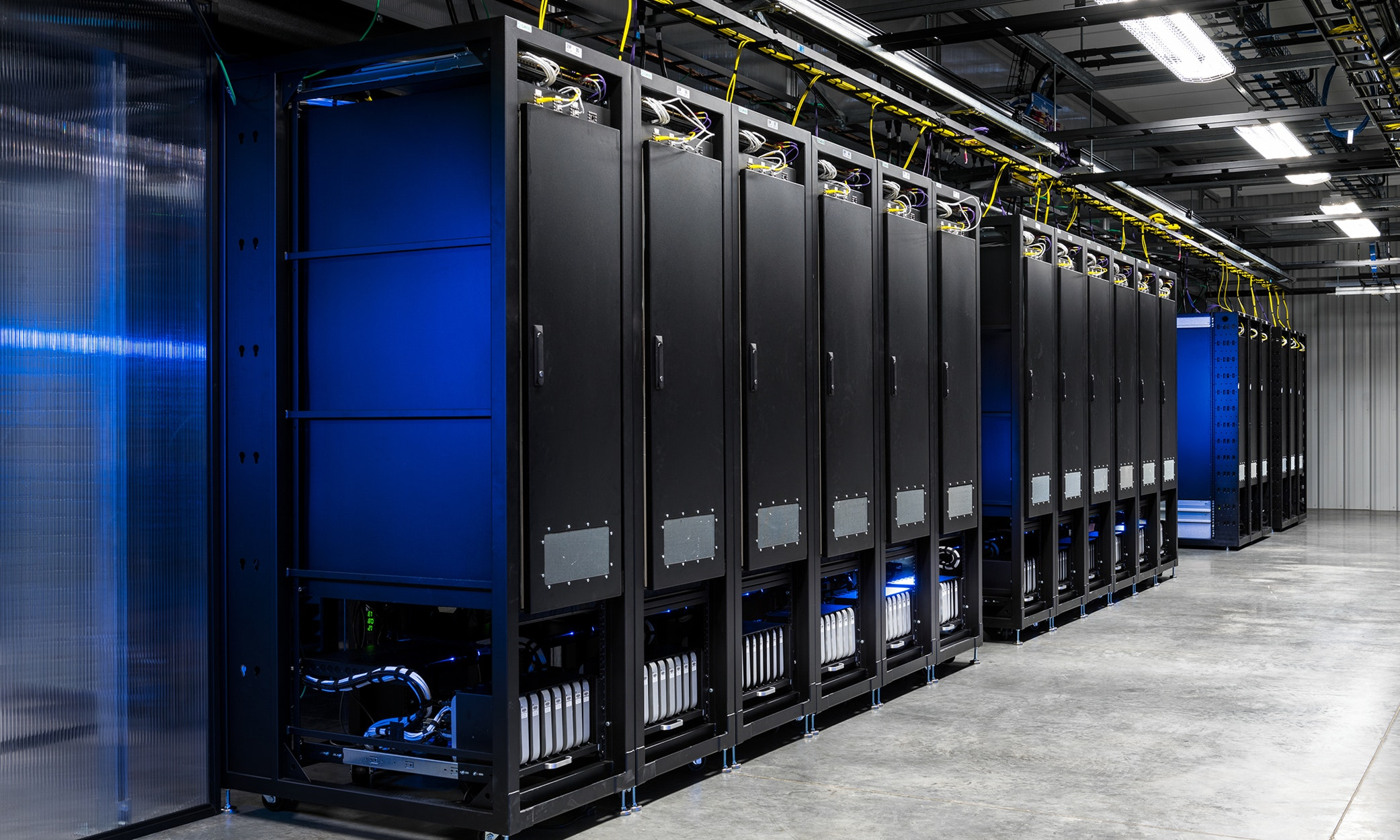 datacenter-server-449401.jpg