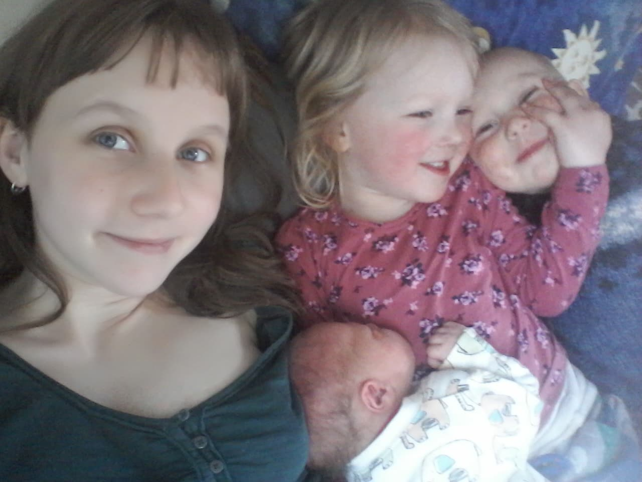 Doula & Ayurdoula client Holly with her 3 children