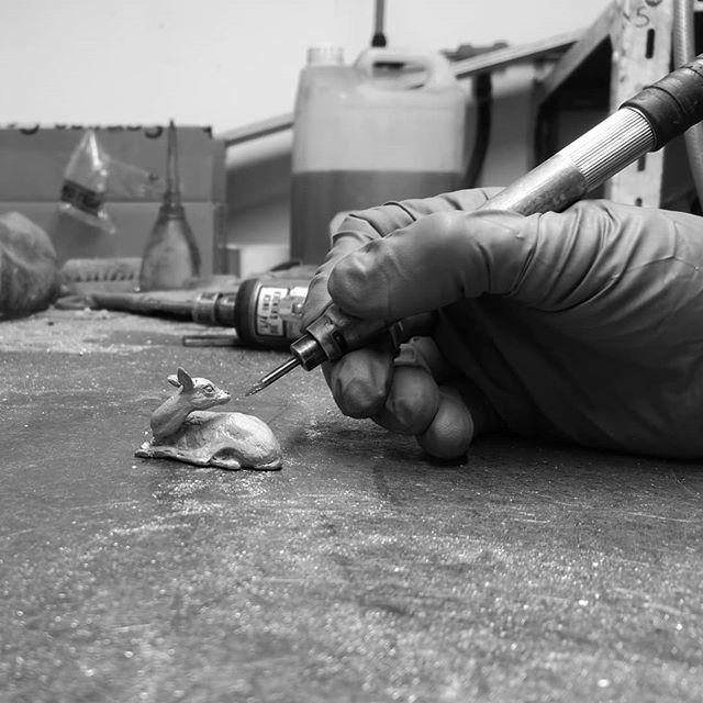 A little bronze fawn bracing itself to be metalworked. . . . . . #sculpturedesign #patination #castbronze #allaboutart #bronzeart #casts #sculpturelovers #bronzecasting #artcollect #artworker #instasculpture #contemporaryfineart #artists_insta #arthub #wildlifeart #artworkshop #sculptor #artiststudio #welding #metalworker #calf #reddeer #fawn #fearless #helpless #innocence #sculpture #artoftheday #artist