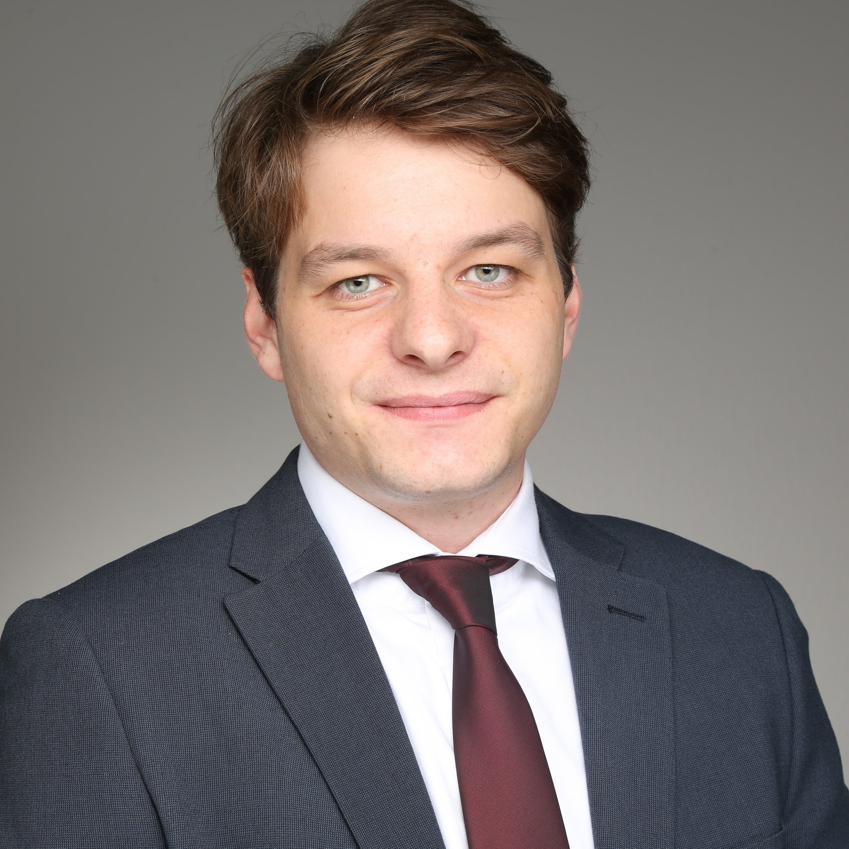Philipp Schulden   Philipp Schulden works as a blockchain expert at the Frankfurt School Blockchain Center. In the blockchain environment, he gained valuable experience in the project planning and conception of blockchain projects at a German energy company. He also has expertise in the area of crypto currency analysis. He completed his studies in International Business Administration and a Master in Management in Frankfurt, Moscow, Lima and Seoul.