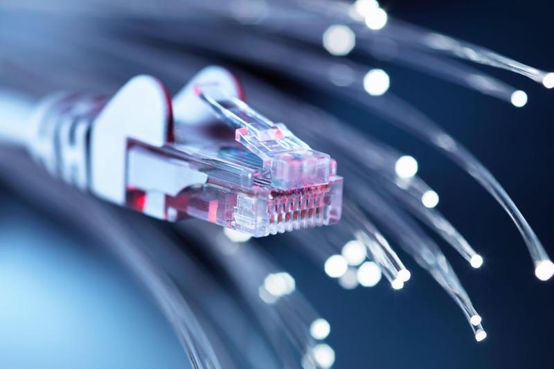 INTERNET PRO - ADSL ? SDSL ? FIBRE ? 5G ? Quelles que soient les spécificités de votre lieu de travail, nous installons un réseau Internet performant.