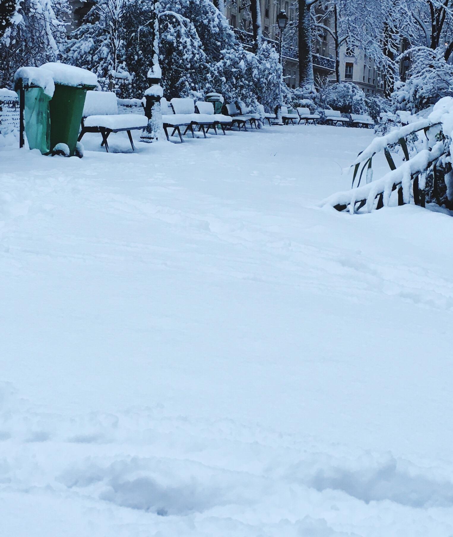 Snow-covered Square Gardette