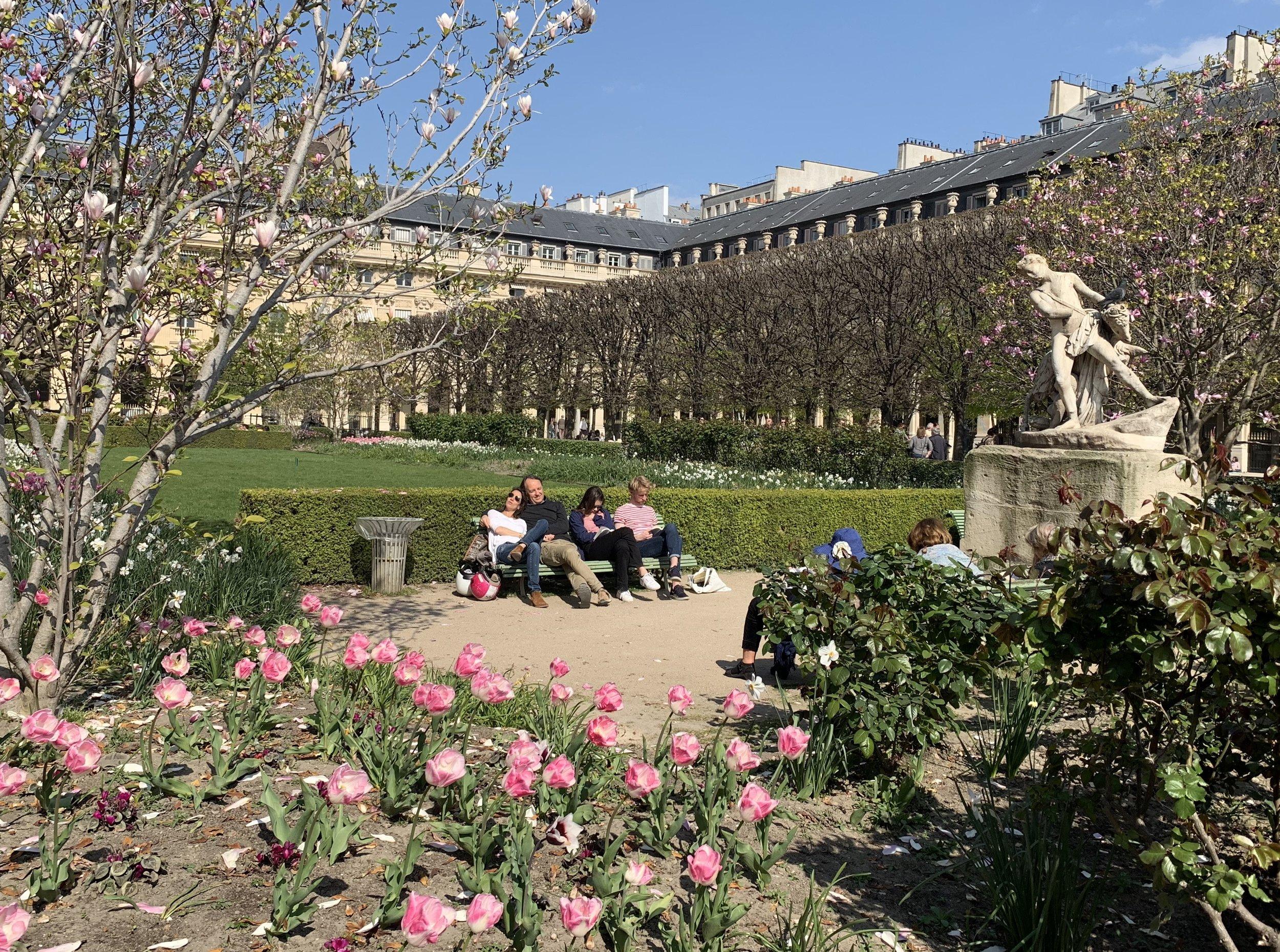 Sunny Sunday at Jardins du Palais Royal