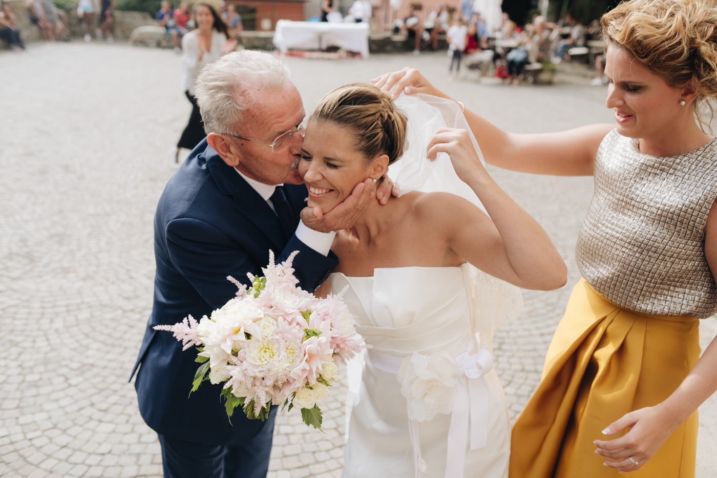 matrimoni_all_italiana_fotografo_matrimonio_cinque_terre-25.jpg