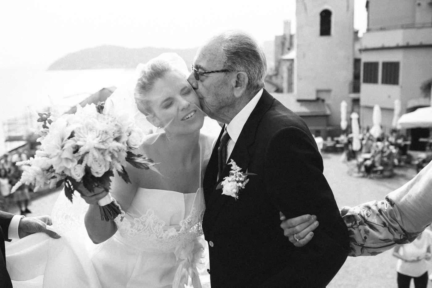 matrimoni_all_italiana_fotografo_matrimonio_cinque_terre-26.jpg