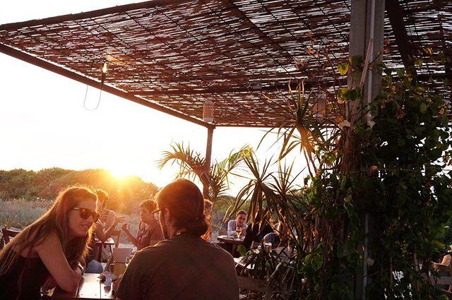 Rincones maravillosos Incluimos puesta de Sol 😎 .  Esta tarde #maraviyeah  #elpratdellobregat #elprat #elmaravillas #mediterraneo #barcelona #chiringuito #pratifornia #playaprat