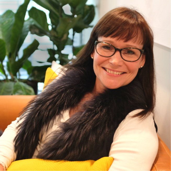 JANINE - With her mix of commercial, creative and psychology background, Janine understands the challenges facing individuals in an ever changing, competitive and fast paced business landscape; she promotes personal responsibility and can-do attitude.Industry Specialisms: Big Tech Companies, Financial institutions and general corporates