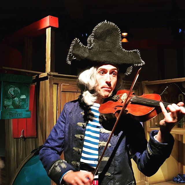 Outside the Thirsty Parrot Inn, an old fiddler appeared. As he fiddled he sang a song.... #thepiratecruncher #worthingtheatre #worthingtheatres get ready, pirates ahoy!
