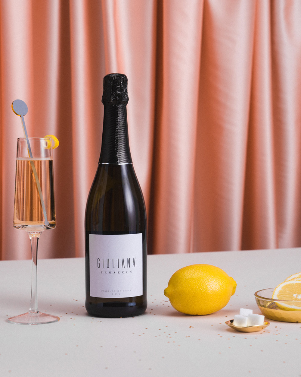 When life gives you lemons, make a Prosecco Cocktail 🍋🥂