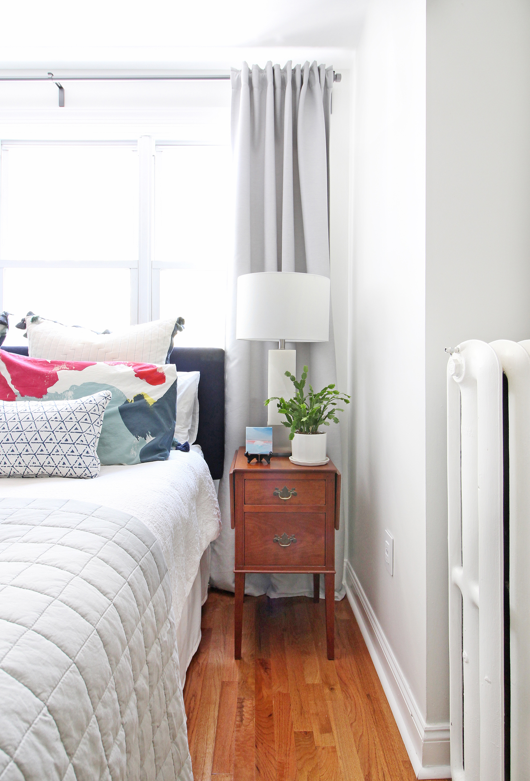 Modern-Eclectic-Bedroom-Refresh-Legrand-USB-Outlet-Web-8.jpg
