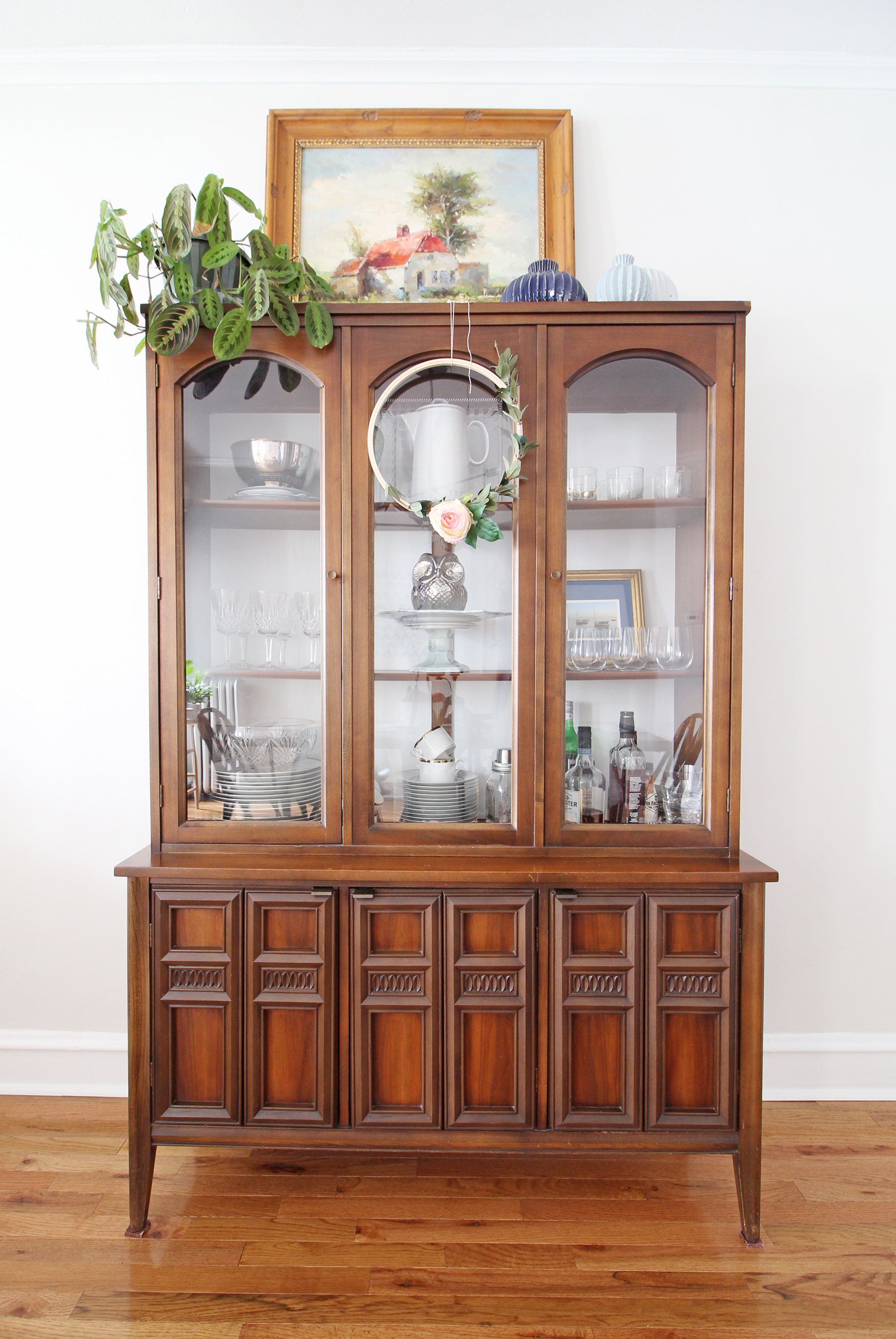 Mid-Century-Eclectic-Dining-Room-Hutch.jpg