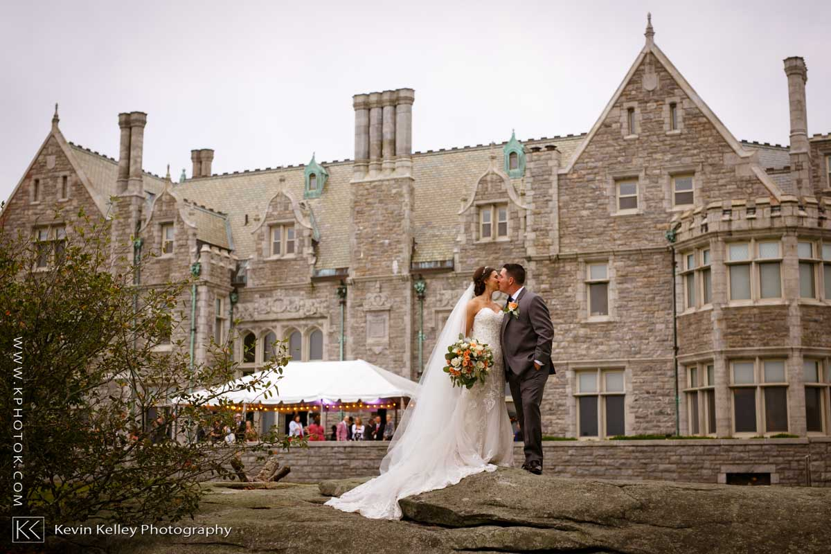 Branford-House-wedding-groton-ct-uconn-2010.jpg