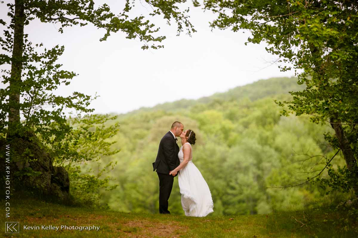 Lake-of-Isles-wedding-2023.jpg