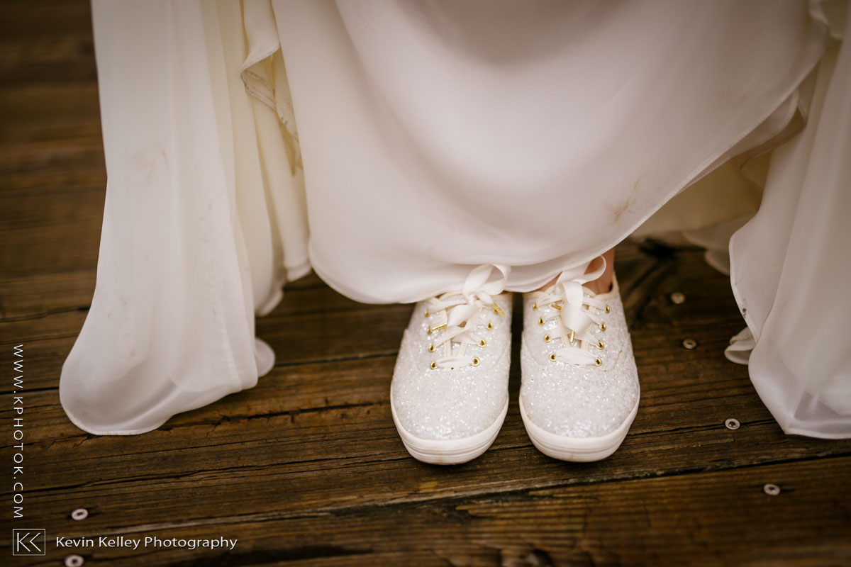 Lake-of-Isles-wedding-Emily-Mike-2020.jpg