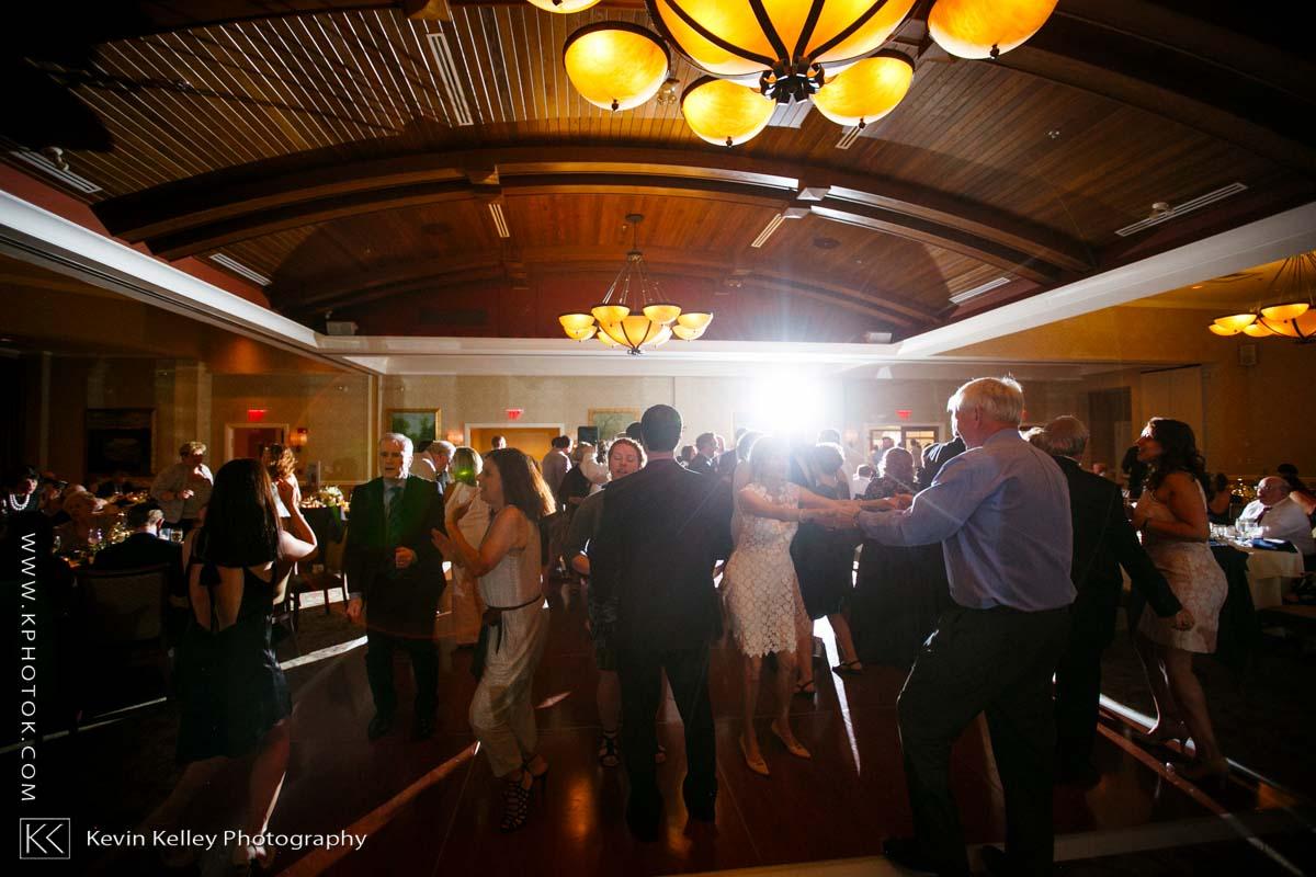 Lake-of-Isles-wedding-Emily-Mike-2025.jpg