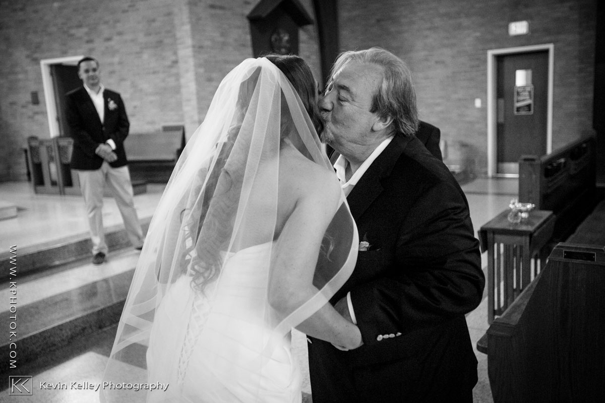 Laurel-Beach-Club-Milford-CT-wedding-2022.jpg