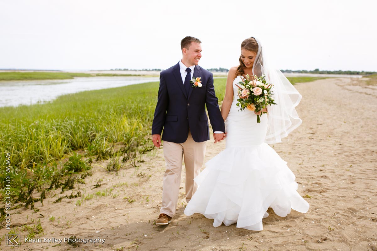 Laurel-Beach-Club-Milford-CT-wedding-2034.jpg