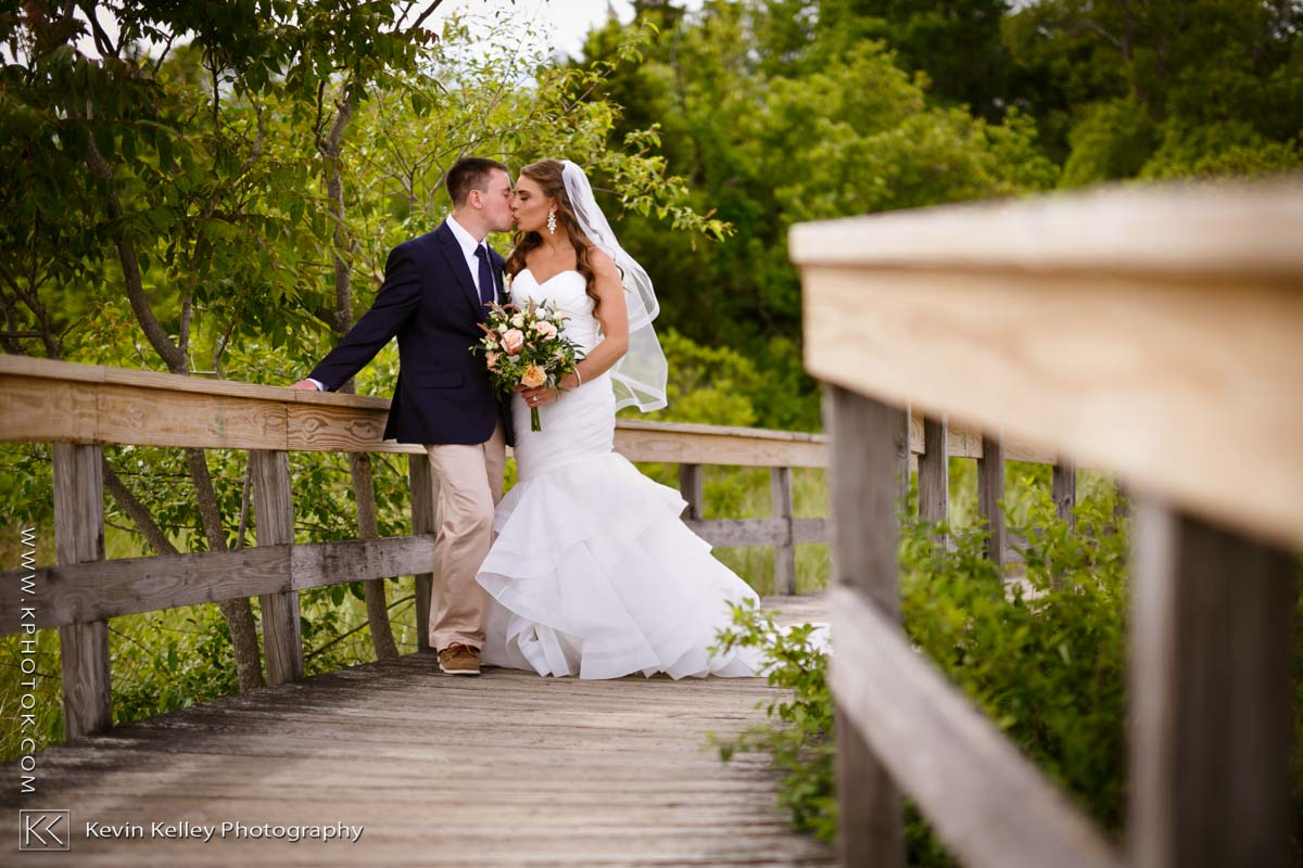 Laurel-Beach-Club-Milford-CT-wedding-2037.jpg