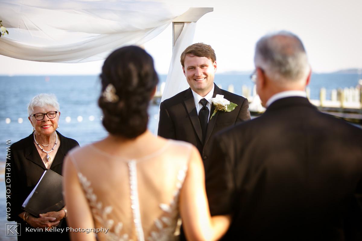 masons-island-yacht-club-wedding-images-2009.jpg