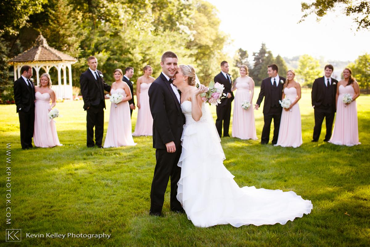 Ariel&Mike-woodwinds-branford-branfort-ct-wedding-2027.jpg