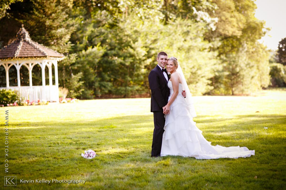 Ariel&Mike-woodwinds-branford-branfort-ct-wedding-2029.jpg