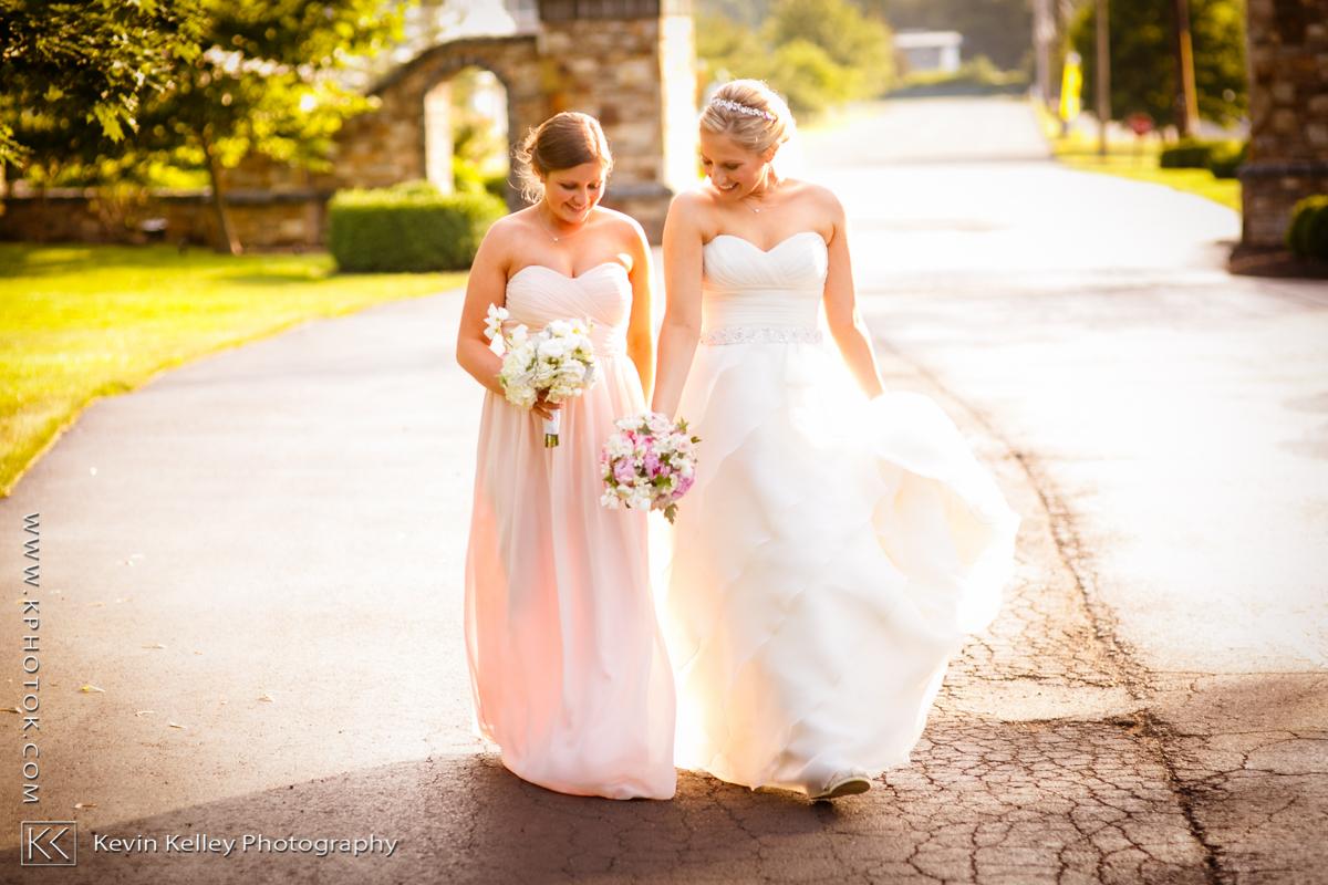 Ariel&Mike-woodwinds-branford-branfort-ct-wedding-2033.jpg