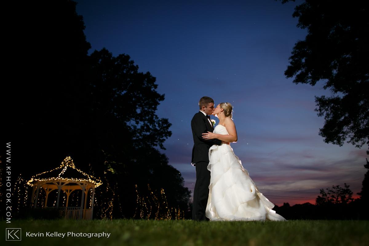 Ariel&Mike-woodwinds-branford-branfort-ct-wedding-2056.jpg