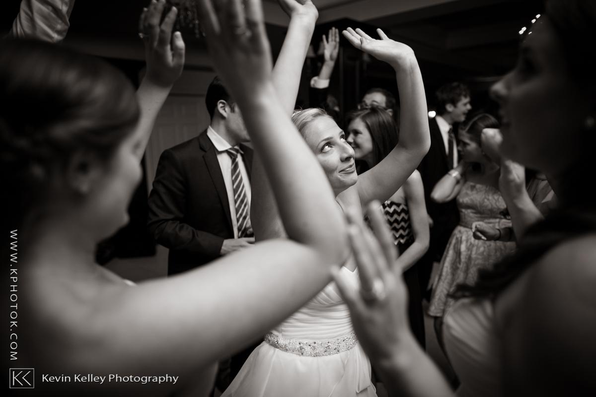 Ariel&Mike-woodwinds-branford-branfort-ct-wedding-2060.jpg