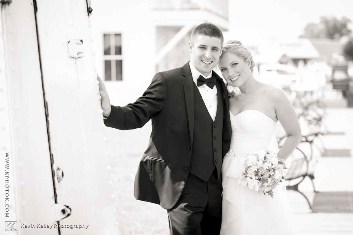 Ariel&Mike-woodwinds-wedding-branford-ct-2001.jpg