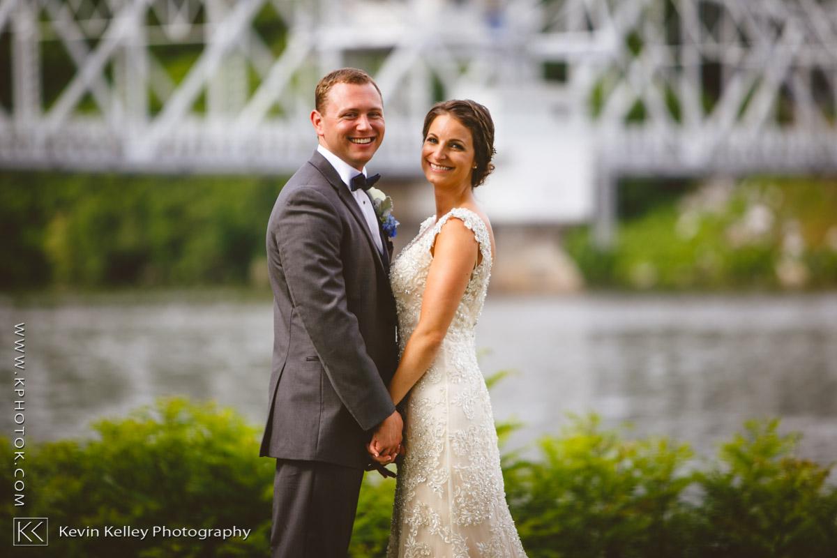 Riverhouse-at-goodspeed-station-wedding-2049.jpg