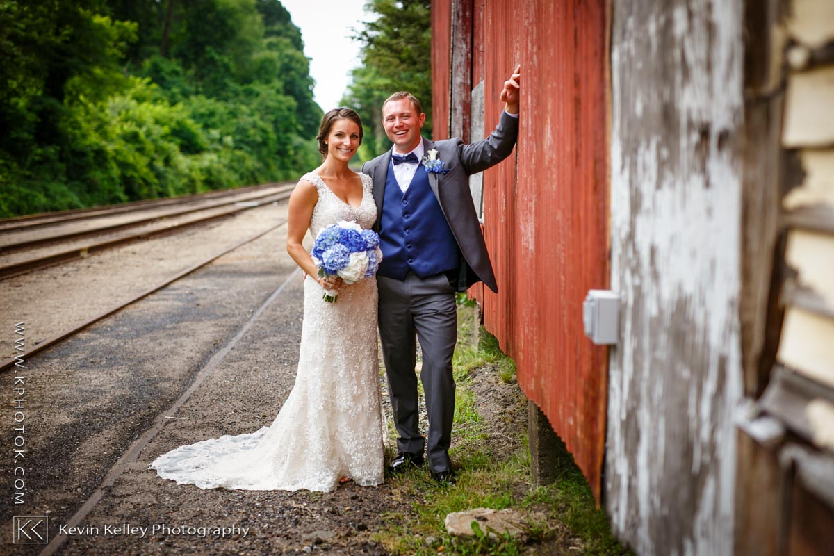 Riverhouse-at-goodspeed-station-wedding-2054.jpg