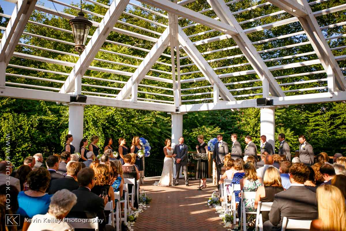 Riverhouse-at-goodspeed-station-wedding-2068.jpg