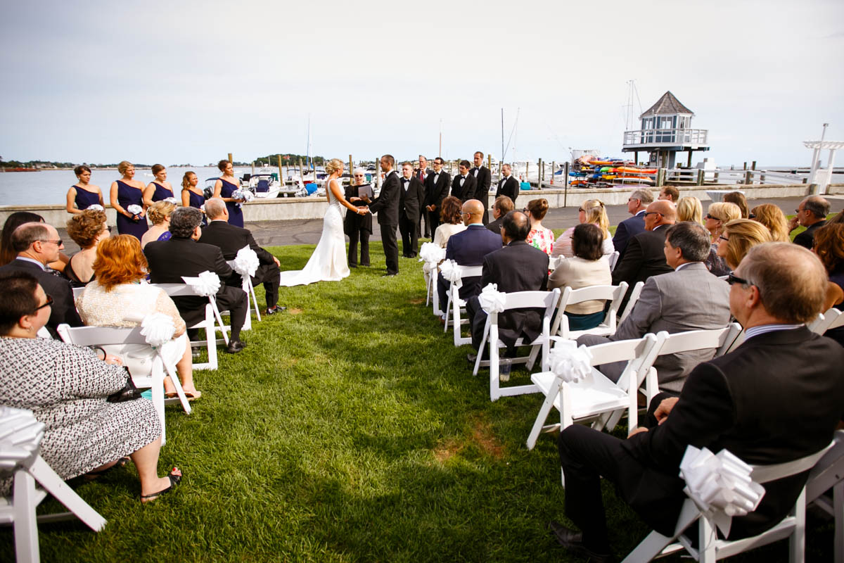 Pine-orchard-yacht-club-wedding-laura-ernesto-2016.jpg