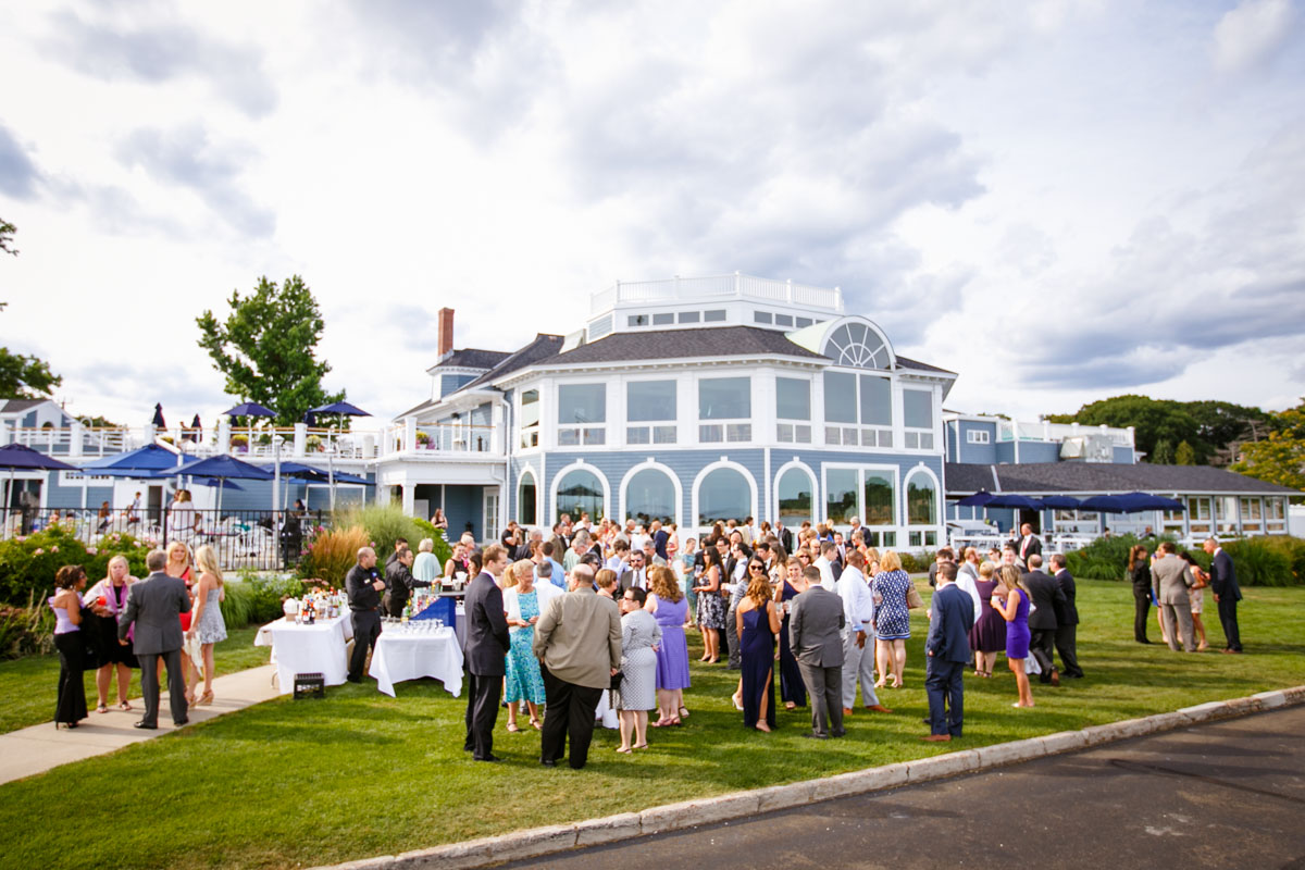 Pine-orchard-yacht-club-wedding-laura-ernesto-2019.jpg
