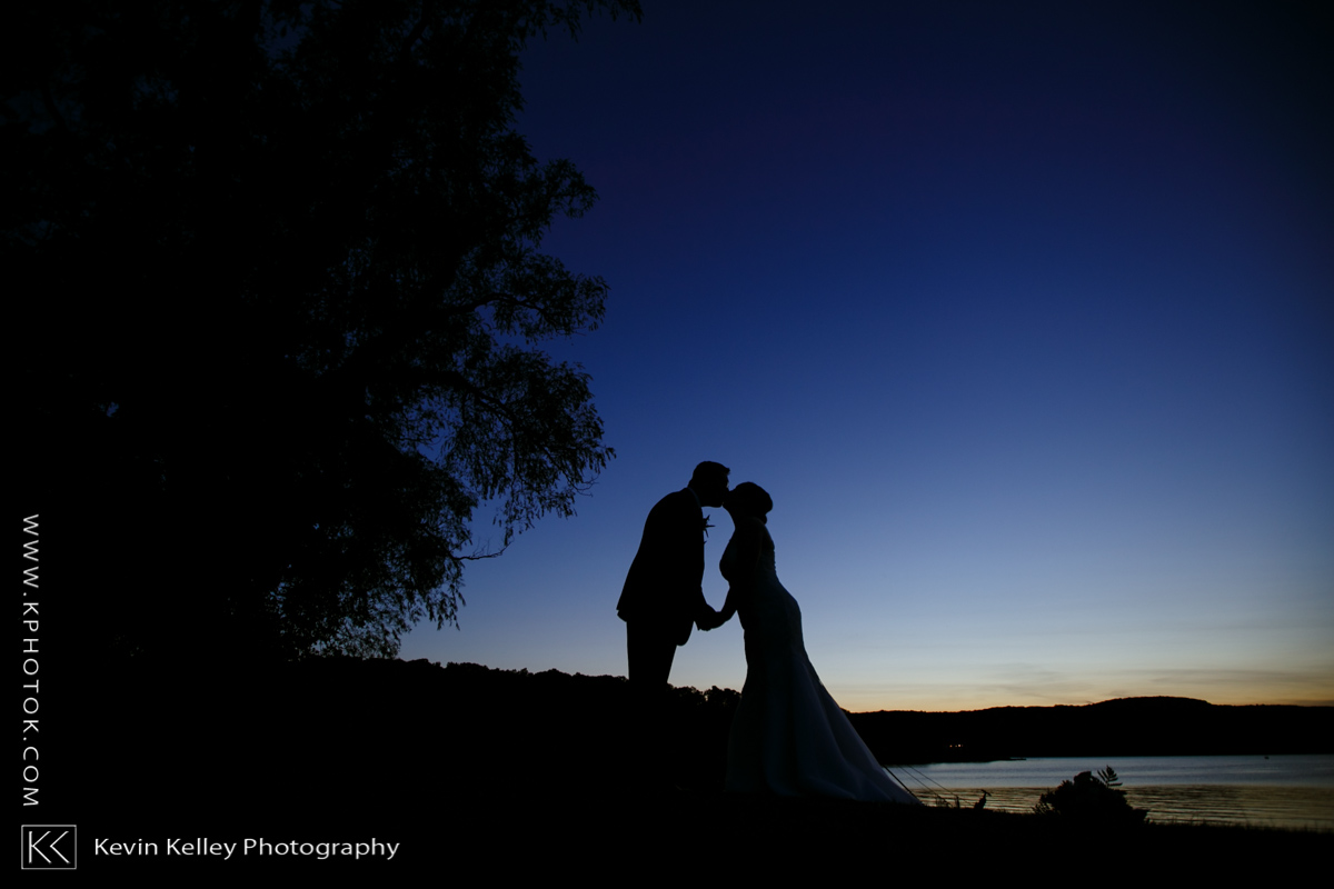 Candlewood-inn-lake-wedding-brookfield-ct-2003.jpg