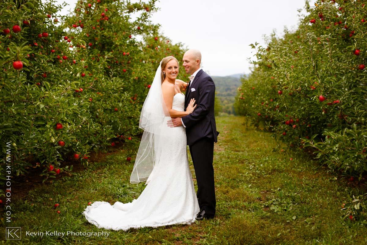Lyman-orchards-golf-club-wedding-2010.jpg